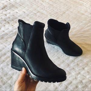 Sorel Women's After Hours Chelsea Suede Boots